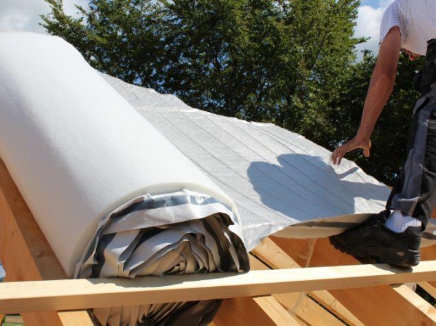 Isolation de la toiture d 39 une nouvelle construction for Isolation de la toiture