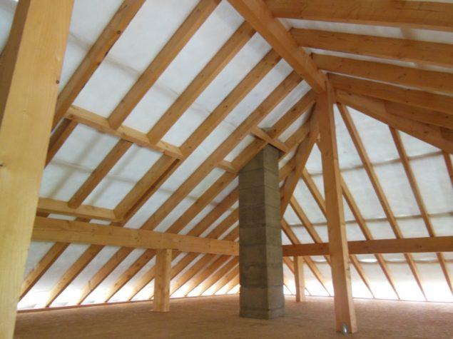 Isolation de la toiture d 39 une nouvelle construction for Nid d oiseau sous toiture