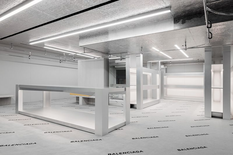 balenciaga-madison-new-york-store-aluthermo-insulation-ceiling-design (2)