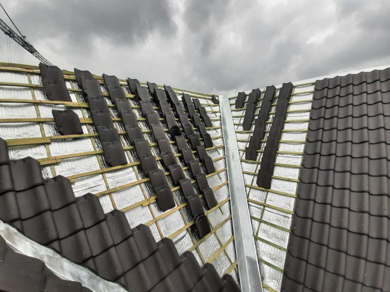 Rénovation d'une toiture avec l'isolant mince Aluthermo Quattro
