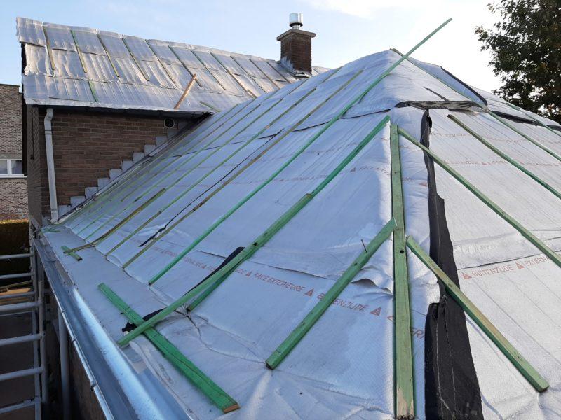 isolation en rouleau pour la toiture