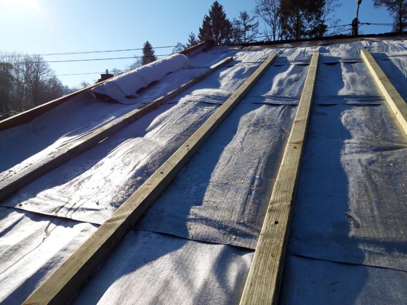 isolation d'une toiture avec un isolant à base d'alu