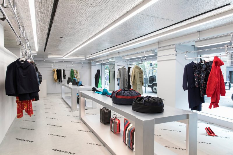 balenciaga-madison-new-york-store-aluthermo-insulation-ceiling-design (5)